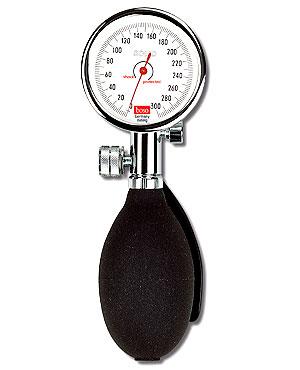 Boso Solid Blutdruckmessgerät, Skala 60mm mit  Standard-Klettmanschette 22 - 32 cm, Etui schwarz