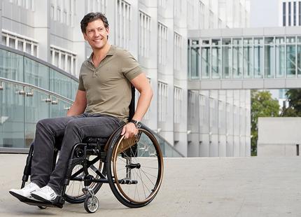 Dietz AS [01] Adaptiv-Rollstuhl System Aktivrollstuhl für individuelle Anforderungen 001