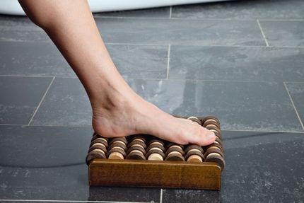 Rolling, entspannende Reflexzonenmassage für Ihre Füße