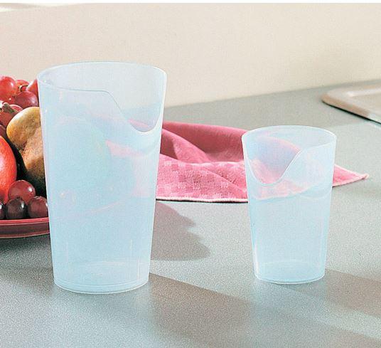 Trinkbecher Nosey, transparent, Becher mit Nasenaussparung, verschiedene Größen (ml)